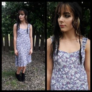 Darling Vtg 80's purple floral summer dress!